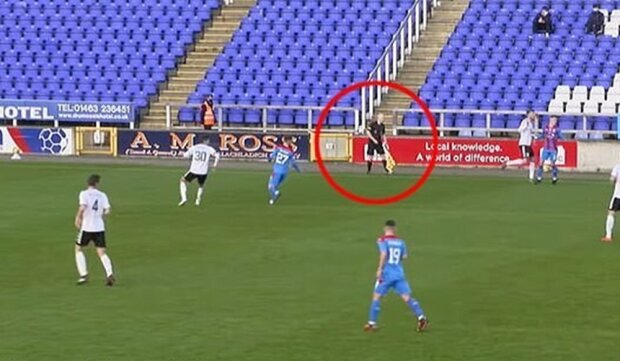 Матч в Шотландии, скриншот с видео