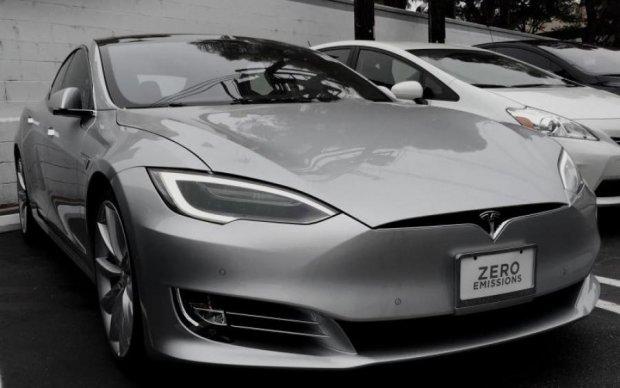 Автомобиль Tesla побил очередной мировой рекорд