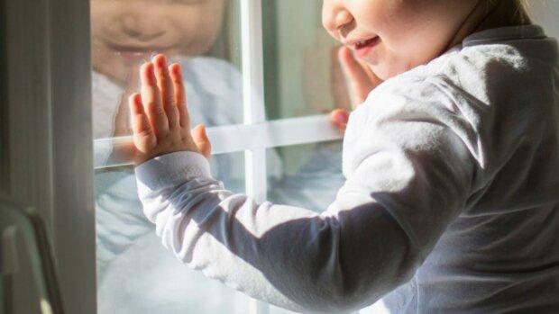 Горе-мати кинула немовля на 20-градусному морозі: малюк замерз на смерть