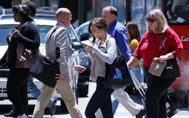 Американцы начали бороться с зависимостью от смартфонов