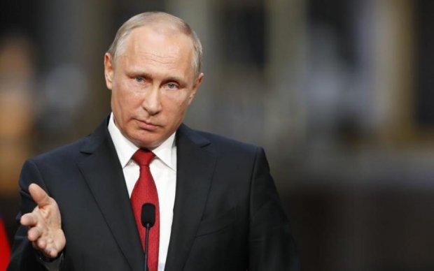 Трогал нового мальчика? Подозрительное фото Путина слили в сеть