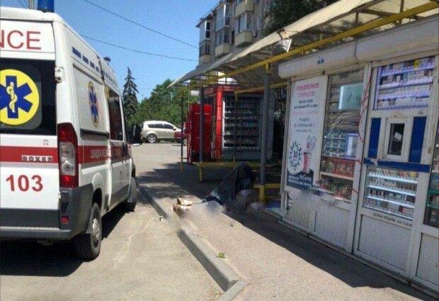 У Дніпрі чоловік помер після поїздки в тролейбусі