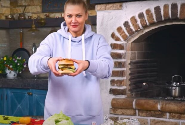 Бургер от Татьяны Литвиновой, скриншот с видео