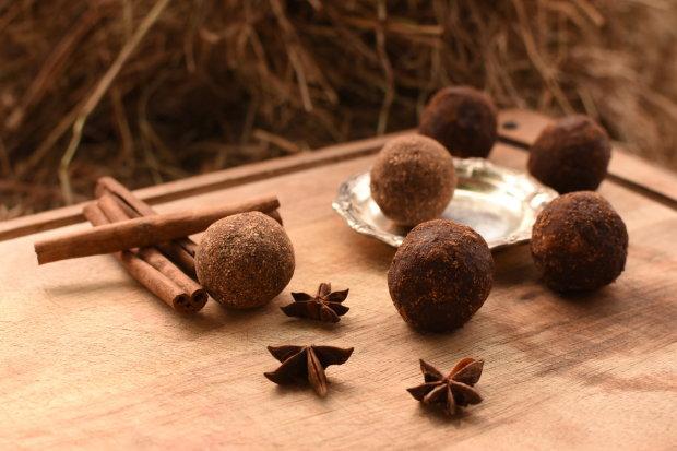Справжні шоколадні трюфелі в какао всього за 20 хвилин