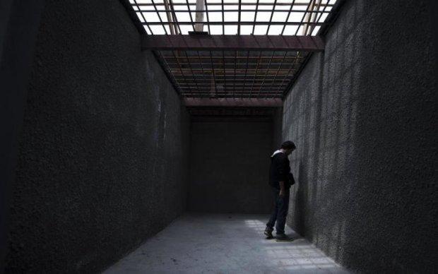 Рабский труд и голод: стало известно о жутких условиях в тюрьмах на Донбассе