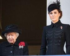 Елизавета II и Кейт Миддлтон, Instagram