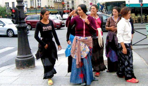 Караул, грабують: киян тероризує банда ромів, позбавляють найдорожчого