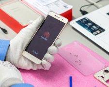 Huawei обвинили в шпионаже