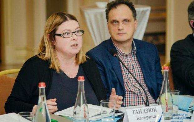 Нападение на Екатерину Гандзюк: украинцам показали подозреваемого