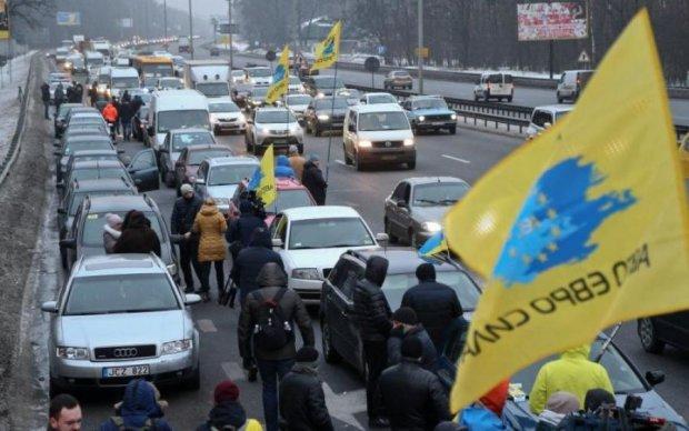 Транспортне пекло: в мережі з'явилися кадри з центру Києва