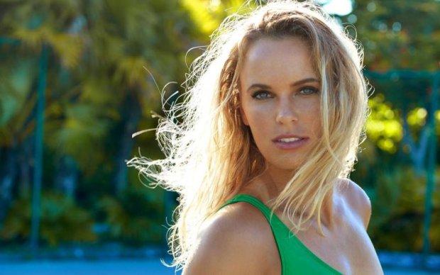 Відома тенісистка знялася повністю оголеною для популярного журналу
