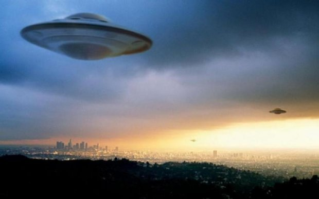 Початок чогось небезпечного: прибульці зацікавились столицею ядерної країни