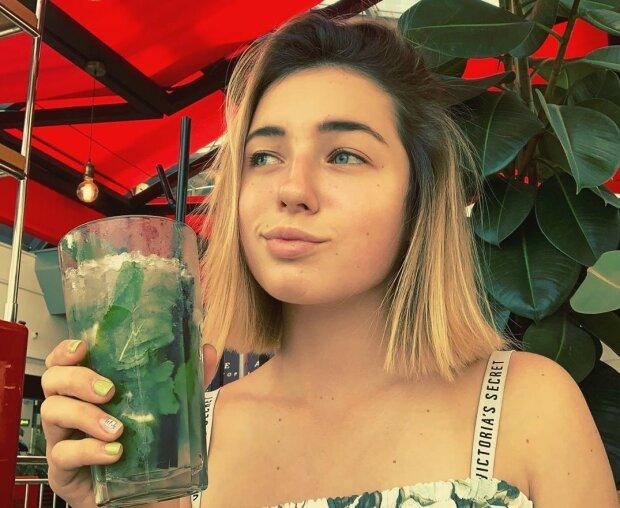 Дурна слава Анастасії Волочкової переслідує її 15-річну дочку