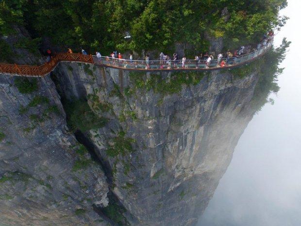 """Китайцы показали Кличко, как на самом деле нужно строить мосты: """"Это вам не две стекляшки вставить"""""""