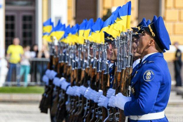 Київ всіма силами підтримав флешмоб Зеленського до Дня прапора: столиця потонула у жовто-блакитному