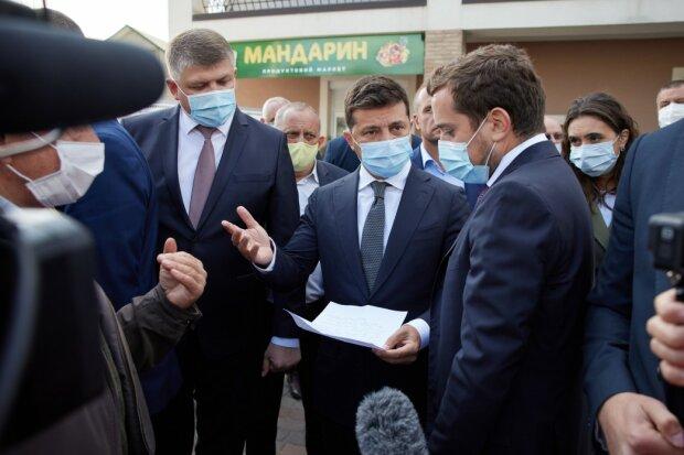 """Зеленський у Тернополі вручить тернополянам """"по веслу"""""""