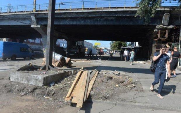 Шулявський міст закрили надовго: як об'їхати