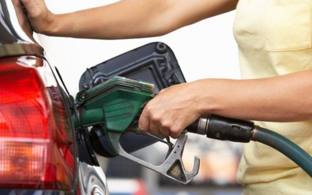 Цены на бензин и дизтопливо в Украине 14 марта: сколько стоит заправить железного коня