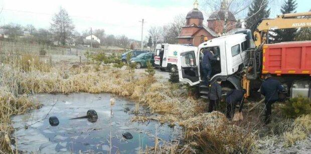 Под Львовом из пруда достали авто с четырьмя трупами, - первые подробности жуткой трагедии