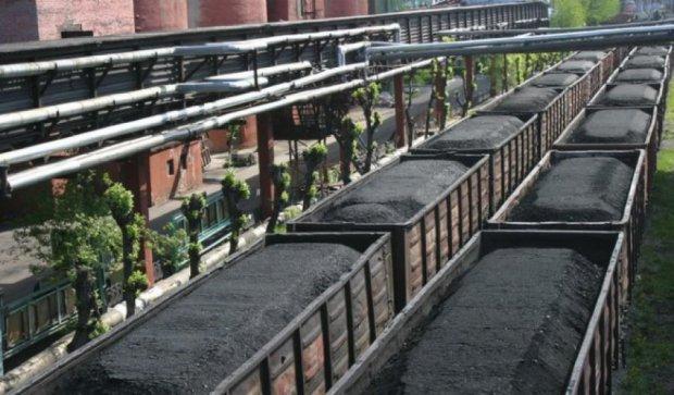 Україна запускає спецпотяг для вивозу вугілля з Донбасу