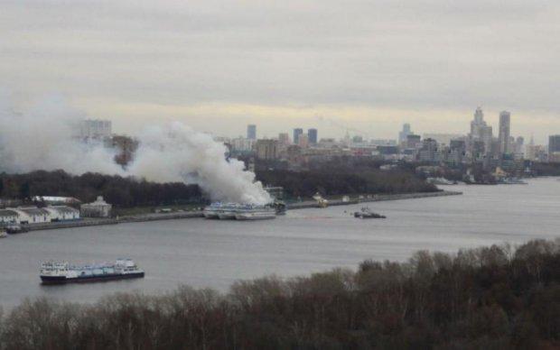 До тла: дьявольский огонь поглотил украинское судно