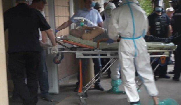 З чорнобильської лікарні втекли лікарі - їм на зміну прийшли інтерни та анестезіологи