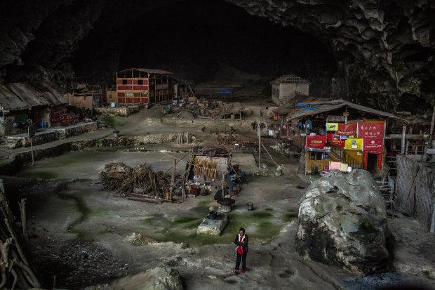 1800 метров над уровнем моря: как живет единственное в мире поселение в пещере