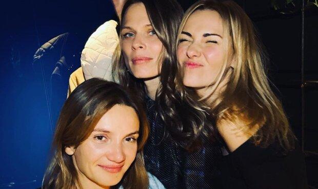 Ольга Фреймут з подругами, фото з Instagram