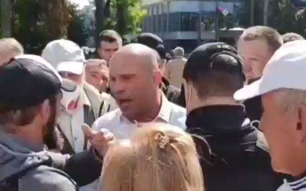 Илья Кива, кадр из видео