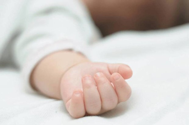 Известный телеведущий стал отцом в третий раз: невероятное Рождество в родильном зале