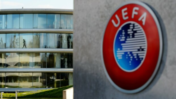 УЕФА отменил рукопожатия футболистов перед матчами, uefa.com