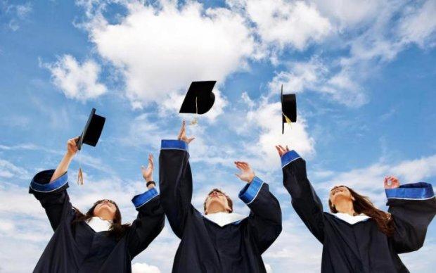 Школяр примчав на випускний з мигалкою та сиреною