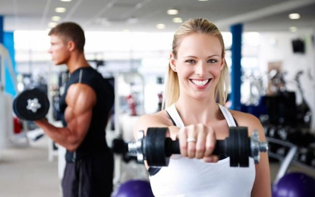 Даже не пытайтесь: озвучены грубые ошибки девушек в спортзале