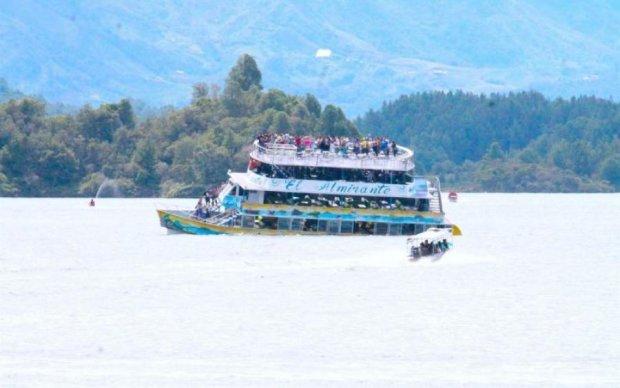 Смертельная катастрофа у берегов Колумбии: опубликовано видео