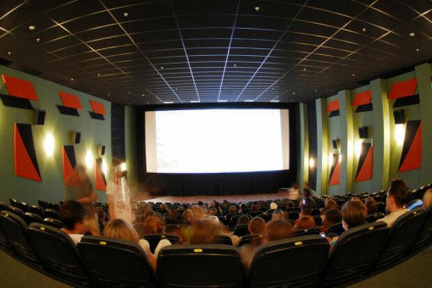 Зеленський даватиме гроші з держбюджету іноземним кінокомпаніям: подробиці нового закону
