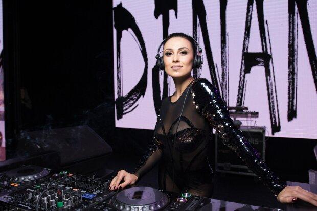 DJ NANA, фото: starbom