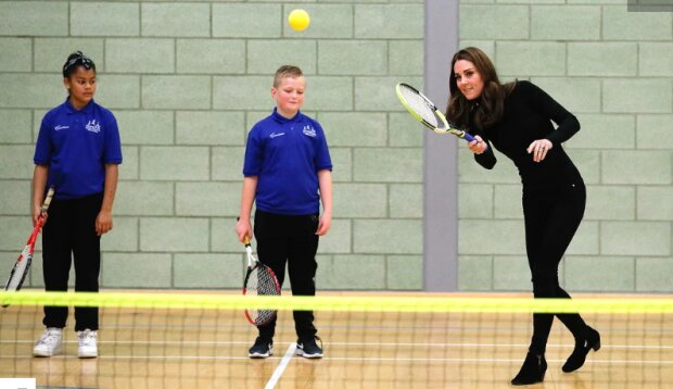 Кейт Міддлтон бере уроки тенісу