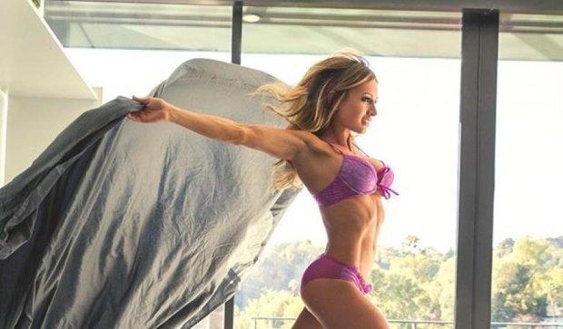 Фитнес-модель Пейдж Хэтэуэй сорвала с себя одежду (фото)