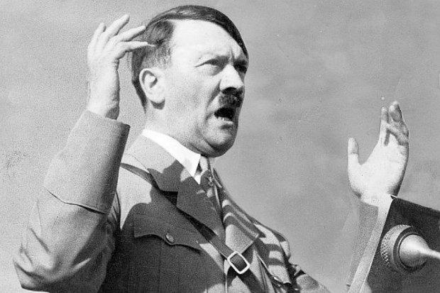 Решение, которое изменило историю: мать Адольфа Гитлера уговаривали его убить еще до рождения