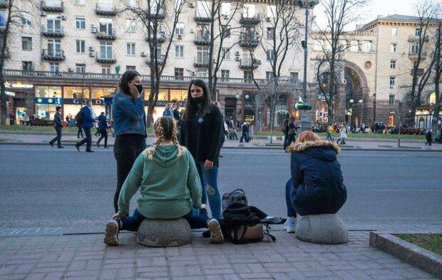 Час змінювати роботу: хто в Києві загрібає гроші лопатою