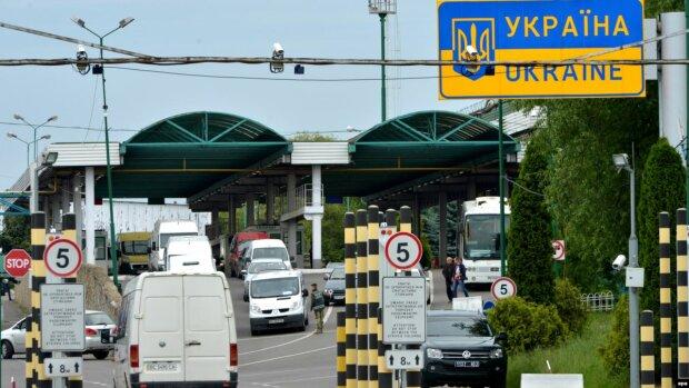 Медом намазано: куда массово уезжают украинские заробитчане, забирая с собой все