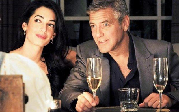 Батько Джорджа Клуні по Skype визначив, на кого схожі онуки