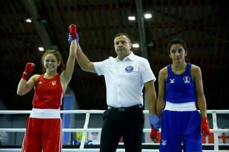 """Наші амазонки: дві франківські боксерки здобули """"срібло"""" в Болгарії"""