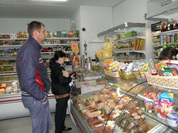 """""""Впаривает детям де**мо"""": популярный супермаркет в Одессе влип в громкий скандал"""