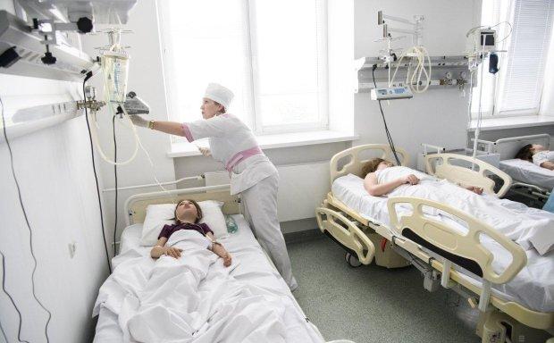 Отравление под Одессой: детей госпитализируют пачками, оздоровительный лагерь оказался смертельной ловушкой