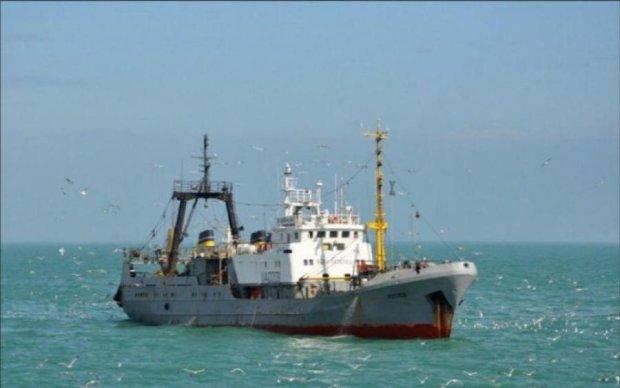 Стало відомо, скільки суден ходить до окупованого Криму, попри санкції