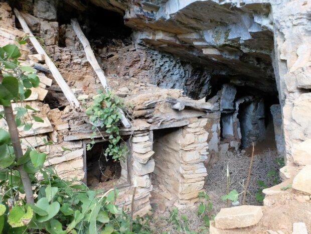 печера українського подвижника Івана Вишенського