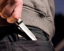 Чоловік з ножем
