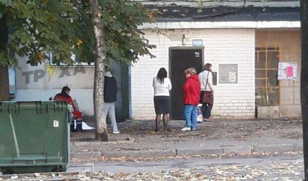"""В Харькове парень выбросился из окна, найдены предсмертные записки: """"Я провинился"""""""