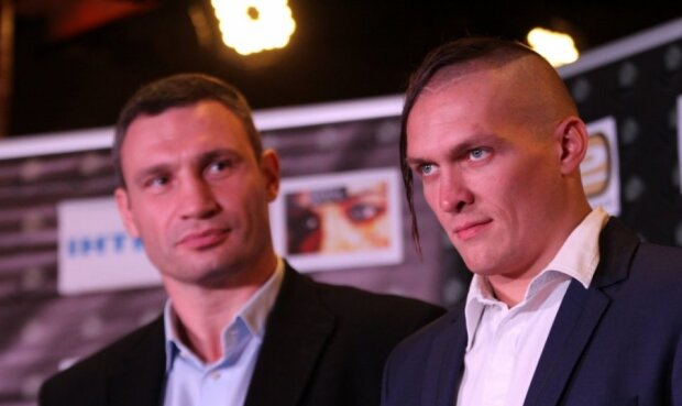Кличко і Усик, скріншот: YouTube